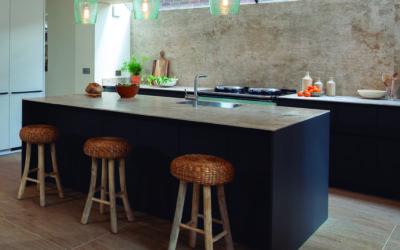 La cucina moderna? Ha il piano cucina in Silestone